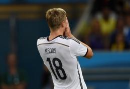 """Oficialu: T.Kroosas tapo """"Real"""" klubo žaidėju"""
