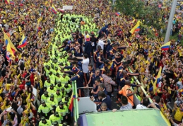 Kolumbijos žaidėjai namuose sutikti kaip didvyriai (VIDEO)