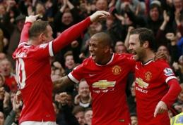 """A. Youngas pratęs sutartį su """"Man United"""""""