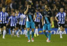 """""""Arsenal"""" ir """"Chelsea"""" baigė kovą dėl Anglijos lygos taurės trofėjaus (VIDEO)"""