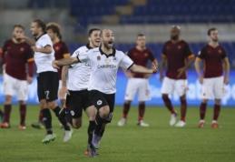 """Coppa Italia: netikėtos """"Roma"""" ir """"Fiorentina"""" nesėkmės bei triuškinanti """"Juvės"""" pergalė Turino derbyje (VIDEO)"""