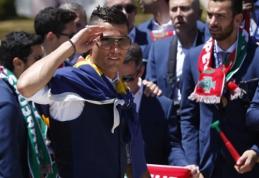"C. Ronaldo garaže - 1,5 mln. dolerių vertės ""Bugatti Veyron"" (FOTO)"