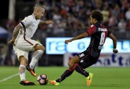 """Italijoje """"Roma"""" ir """"Inter"""" prarado taškus, """"Fiorentina"""" šventė pergalę (VIDEO)"""