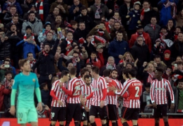 """Be dviejų išvarytų žaidėjų rungtynių pabaigoje likęs """"Athletic"""" palaužė """"Barcą"""" (VIDEO)"""