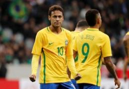 Brazilų draugiškose rungtynėse Neymaras įmušė vieną iš dviejų 11 metrų baudinių