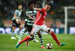 """POP: Šunų rungtynes tarp """"Benfica"""" ir """"Sporting"""" nutraukė apsauga (VIDEO)"""
