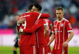 """""""Bayern"""" laimėjo po atkaklios kovos, """"Schalke"""" nepavyko pakilti į antrąją vietą (VIDEO)"""