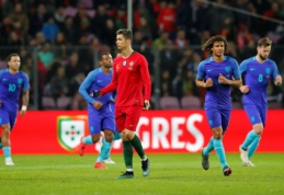 Nyderlandai sutriuškino portugalus (VIDEO)