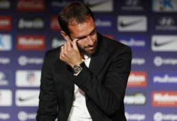"Oficialu: D. Godinas po sezono paliks ""Atletico"""