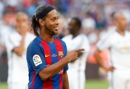 """A.Hlebas: """"Barcelona"""" pardavė Ronaldinho dėl girtavimo"""