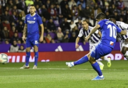 """Į kovą dėl titulo įsitraukusi """"Sevilla"""" išvykoje palaužė """"Real Valladolid"""" ekipą"""