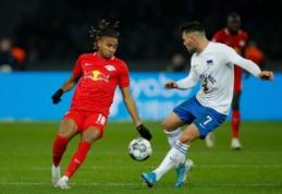 """""""RB Leipzig"""" iškovojo nesunkią pergalę, """"Schalke"""" prarado taškus mače su """"Dusseldorf"""""""