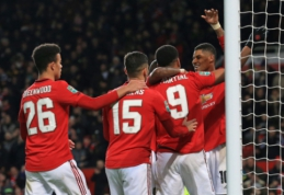 Anglijos lygos taurės pusfinalyje – Mančesterio komandų akistata
