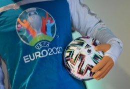 UEFA gali metams atidėti Europos čempionatą