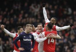 """""""Arsenal"""" iškovojo svarbią pergalę miesto derbyje, """"Tottenham"""" toliau neišbrenda iš duobės"""