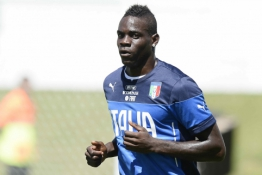 """M. Balotelli prisijungė prie """"Serie B"""" rungtyniaujančios komandos"""