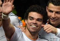 """""""Man City"""" nori sustiprinti gynybą skandalinguoju Pepe"""