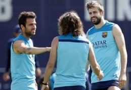 """G.Pique pareiškė, kad C.Fabregasas šią vasarą paliks """"Barcelona"""""""