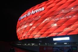 """""""Bayern"""" susitarė su L. Sane dėl ilgalaikės sutarties"""
