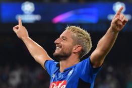 """D. Mertensas pasirašys naują kontraktą su """"Napoli"""""""