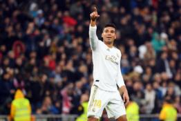 """Madrido """"Real"""" susitarė su Casemiro dėl naujos sutarties"""