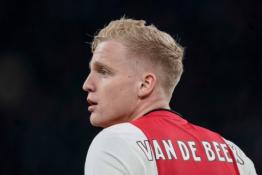 """Man Utd"" ruošia pasiūlymą už D. van de Beeką"