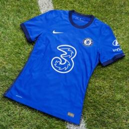 """""""Chelsea"""" pristatė kito sezono namų aprangą"""