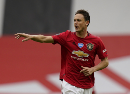 """N. Matičius padėjo parašą po nauja sutartimi su """"Man Utd"""""""