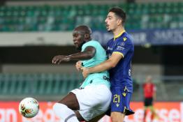 """""""Serie A"""": Milano """"Inter"""" paskutinėmis minutėmis paleido pergalę iš rankų, """"Udinese"""" pasiekė lengvą pergalę išvykoje"""