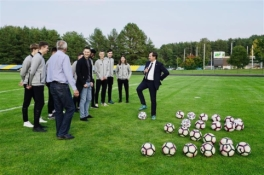 Vilniuje renovuota VU universiteto futbolo aikštė