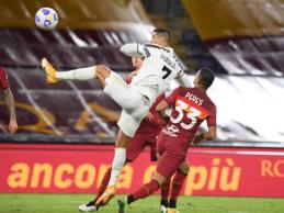 """C. Ronaldo dublis padėjo """"Juventus"""" iškovoti tašką Romoje"""