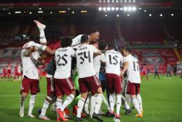 """""""Arsenal"""" po baudinių serijos eliminavo """"Liverpool"""" iš Anglijos lygos taurės"""