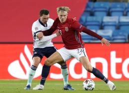 Norvegijos futbolo rinktinei neleista išvykti iš šalies