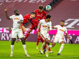 """""""Bundesliga"""": """"Bayern"""" ir """"RB Leipzig"""" įvarčių trileris, """"Borussia"""" ir """"Eintracht"""" lygiosios"""