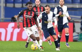 """""""Serie A"""": """"Napoli"""" sutriuškino """"Crotone"""", """"AC Milan"""" turėjo vargo prieš """"Sampdoria"""""""