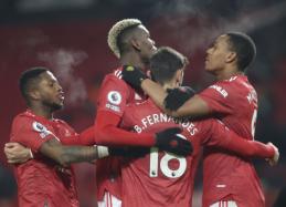 """""""Manchester United"""" pasinaudojo proga pakilti į """"Premier"""" lygos viršūnę"""