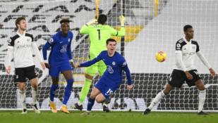 """""""Chelsea"""" išvargo pergalę prieš mažumoje likusią """"Fulham"""" ekipą"""