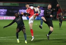 """Su """"Cheltenham"""" vargo turėję """"Man City"""" futbolininkai žengia į kitą FA taurės etapą"""