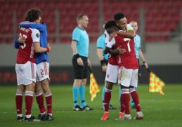 """EL: """"Arsenal"""" paskutinėmis minutėmis žengė į aštuntfinalį"""