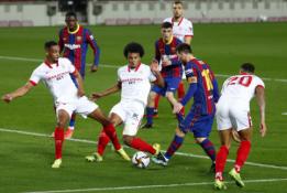 """Paskutinę mačo minutę išsigelbėjusi """"Barcelona"""" žengė į Karaliaus taurės finalą"""