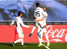 """Benzema įvartis per pridėtą laiką padovanojo """"Real"""" tris taškus"""