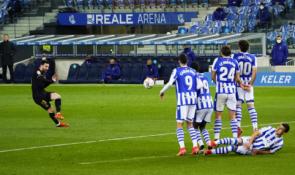 """""""Barcelona"""" pervažiavo """"Real Sociedad"""""""