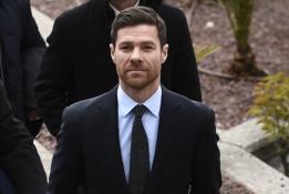 "X. Alonso pratęsė kontraktą su ""Real Sociedad"""