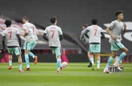 """""""Liverpool"""" žaidėjai pagerbė žaibo pražudytą jaunąjį sirgalių"""
