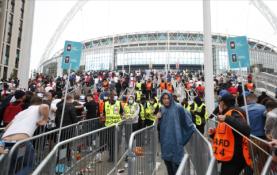 """Policija paskelbė pagrindinių """"Wembley"""" riaušininkų nuotraukas"""