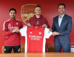 """Oficialu: """"Arsenal"""" už 50 mln. svarų įsigijo B. White'ą"""