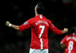 C. Ronaldo išreiškė padėką E. Cavani už atiduotą marškinėlių numerį