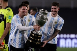 """L. Messi diena: """"hat-trickas"""", džiaugsmo ašaros prie sirgalių ir Pietų Amerikos rekordas"""