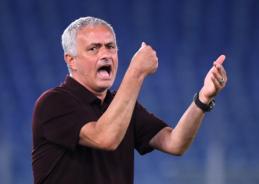 """J. Mourinho pakomentavo savo šansus persikelti į """"Newcastle"""""""