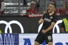 """F. Kostičiaus ir K. Trappo duetas išrašė """"Bayern"""" pirmą sezono pralaimėjimą"""